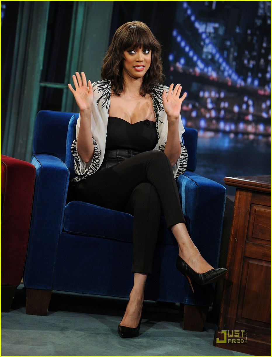 tyra banks jimmy fallon 03