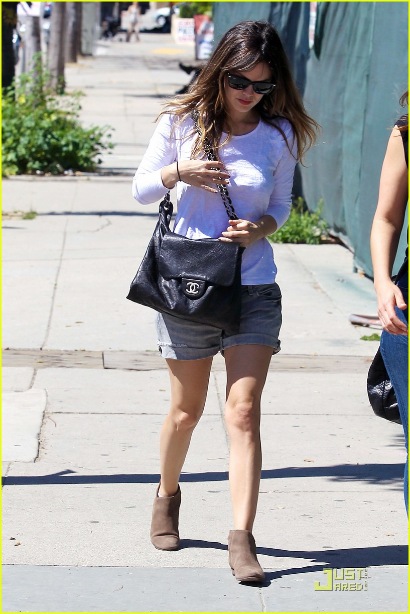 rachel bilson casual lunch date 010