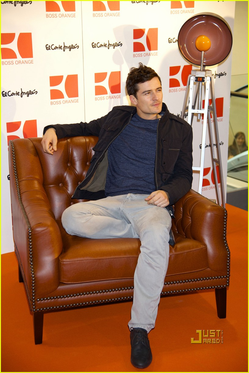 Full Sized Photo of orlando bloom boss orange photo call ...