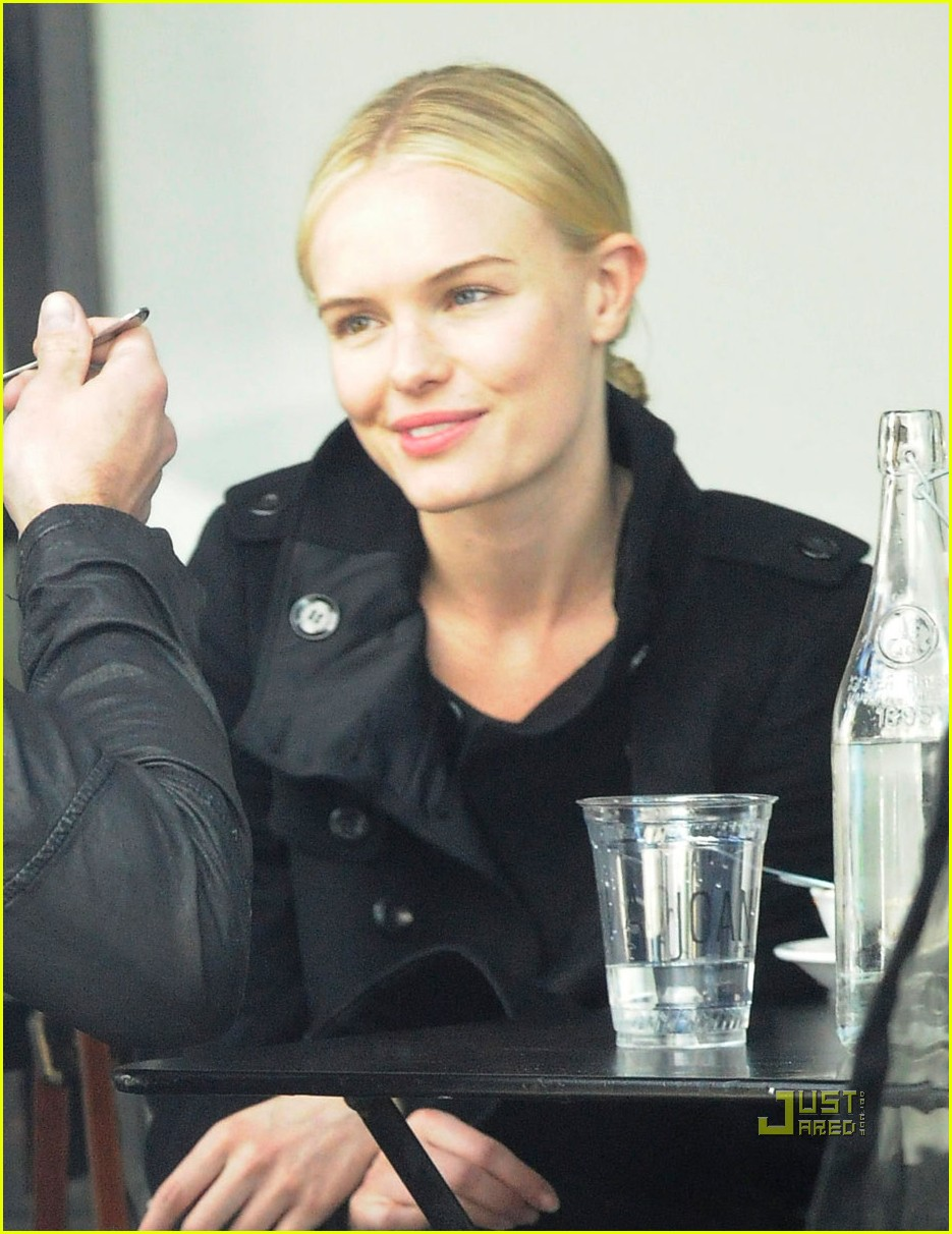kate bosworth alexander skarsgard lunch joans on third 02