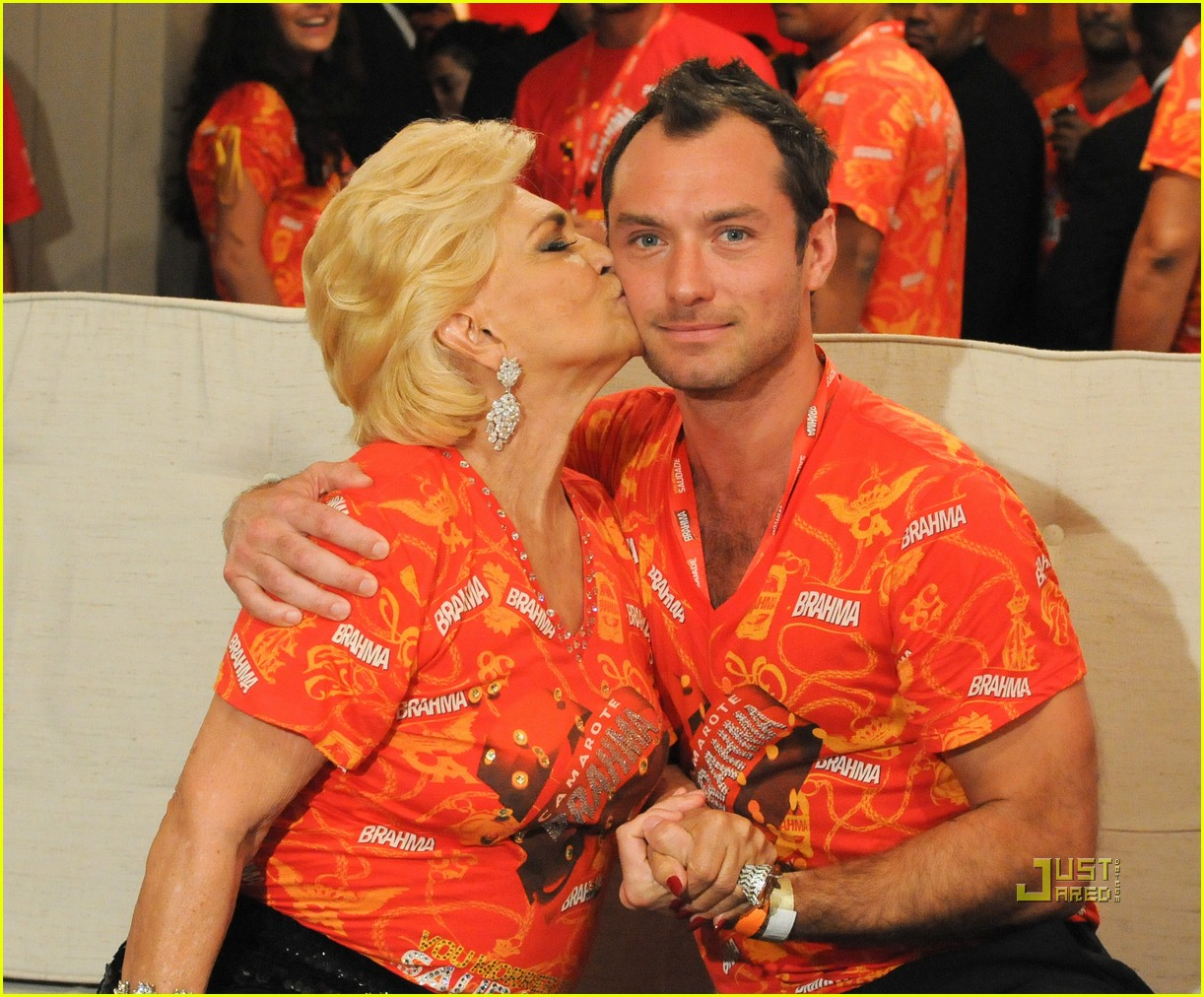 Full Sized Photo of jude law brahma parade party 28 ... Jude Law