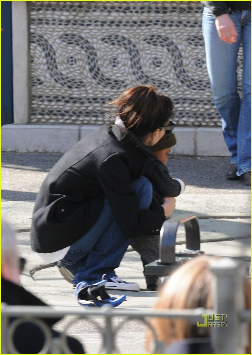 sandra bullock louis playground 08