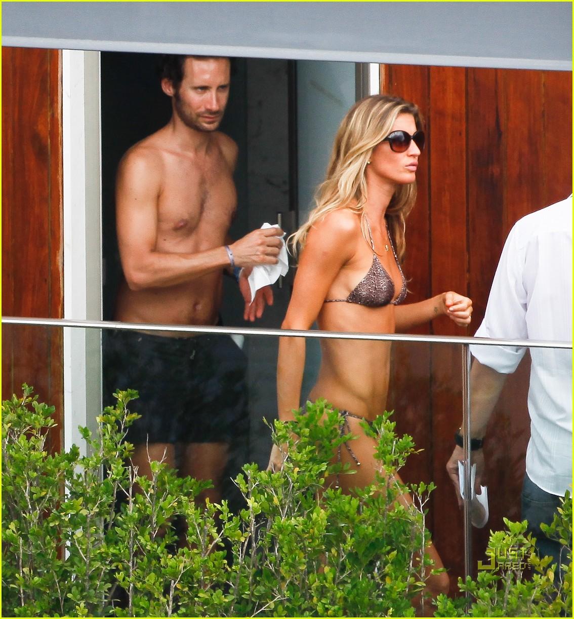 gisele bundchen bikini hotel pool brazil 08