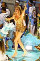 gisele bundchen samba 16