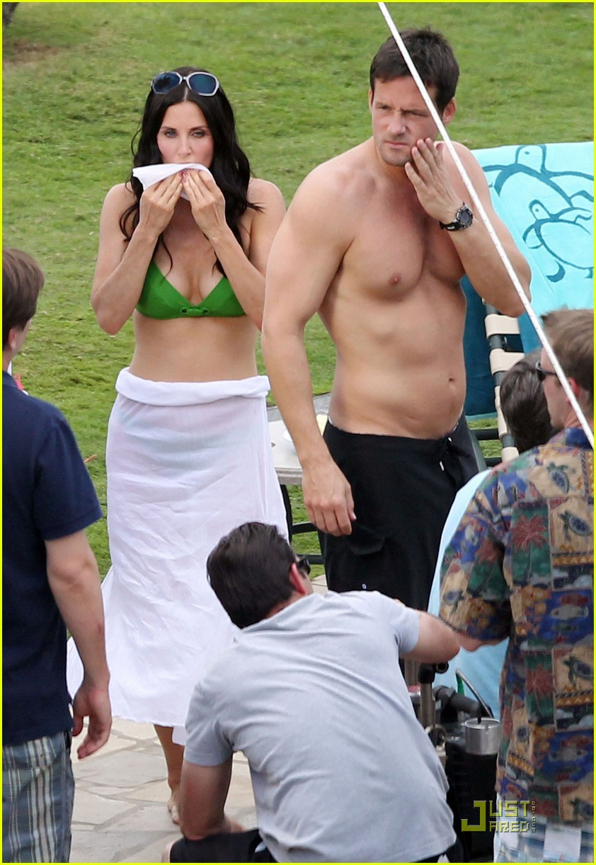 courteney cox josh hopkins cougar town twosome 01