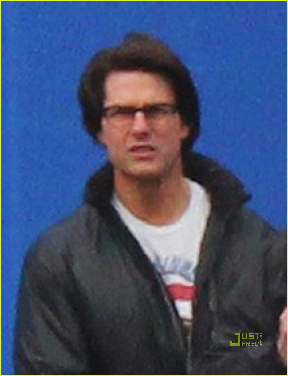 Tom Cruise Mission Impossible 4 Hairstyle Tom-cruise-t-shirt-mission    Tom Cruise Mission Impossible 4 Hairstyle