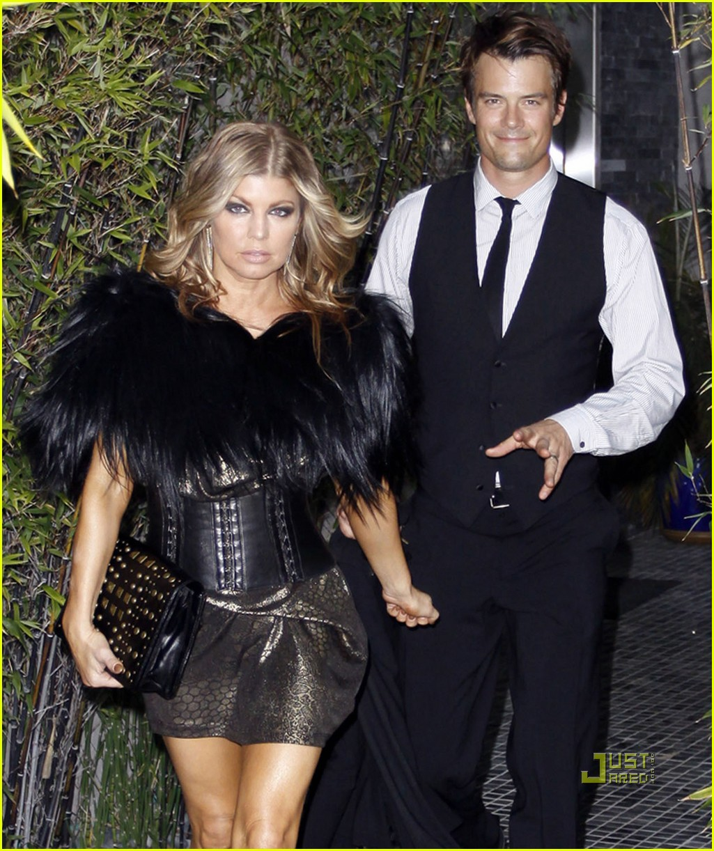 fergie josh duhamel friends wedding 04