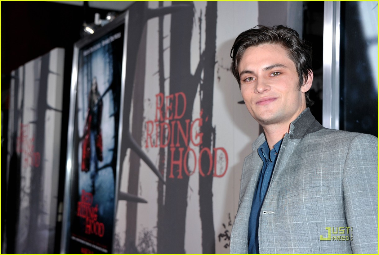shiloh fernandez red riding hood premiere 13