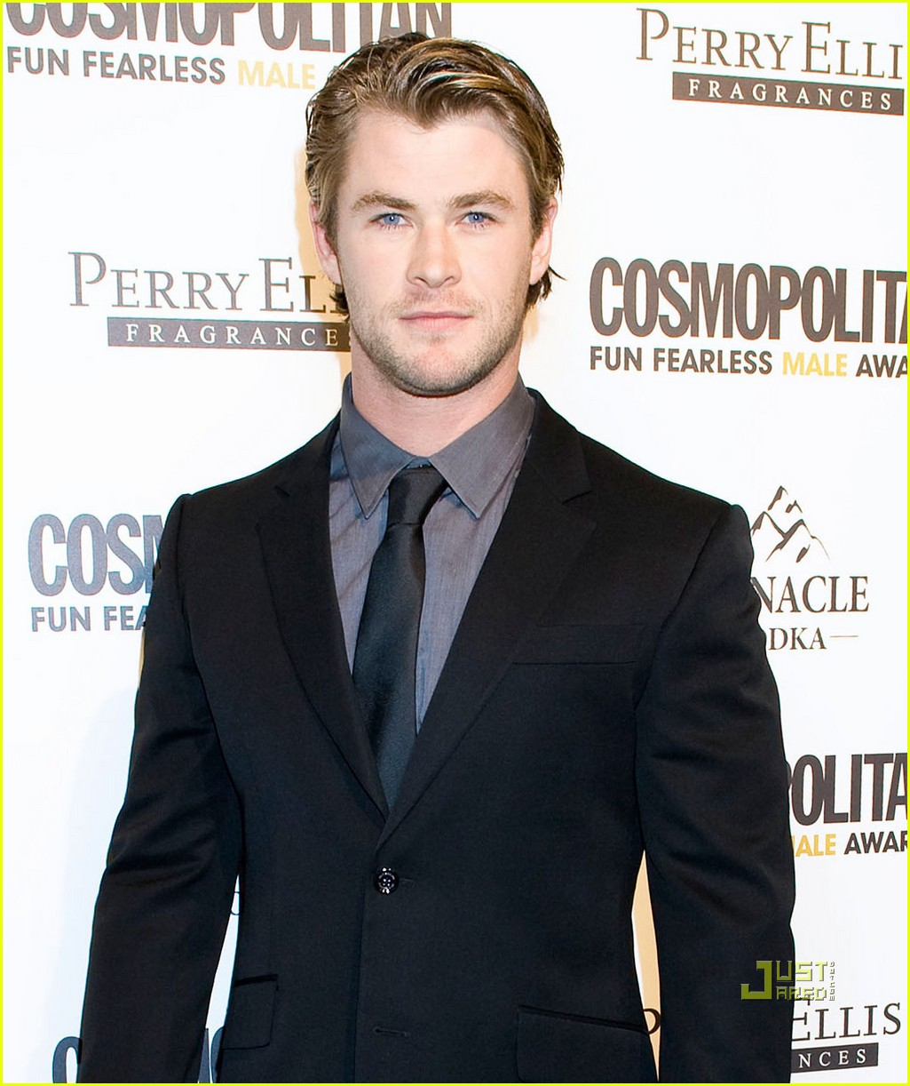 chris hemsworth cosmopolitan fun fearless male awards 10