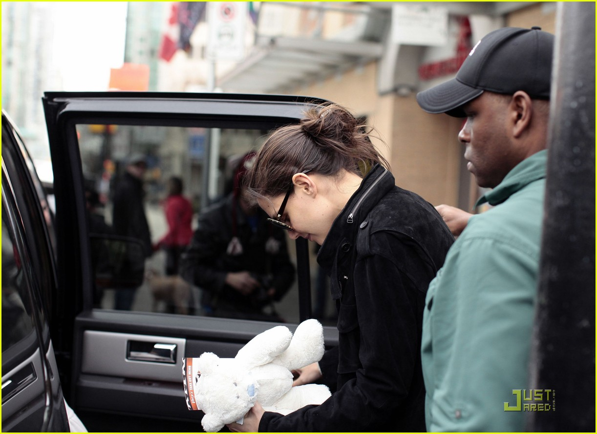 suri cruise katie holmes hamburger helper 10
