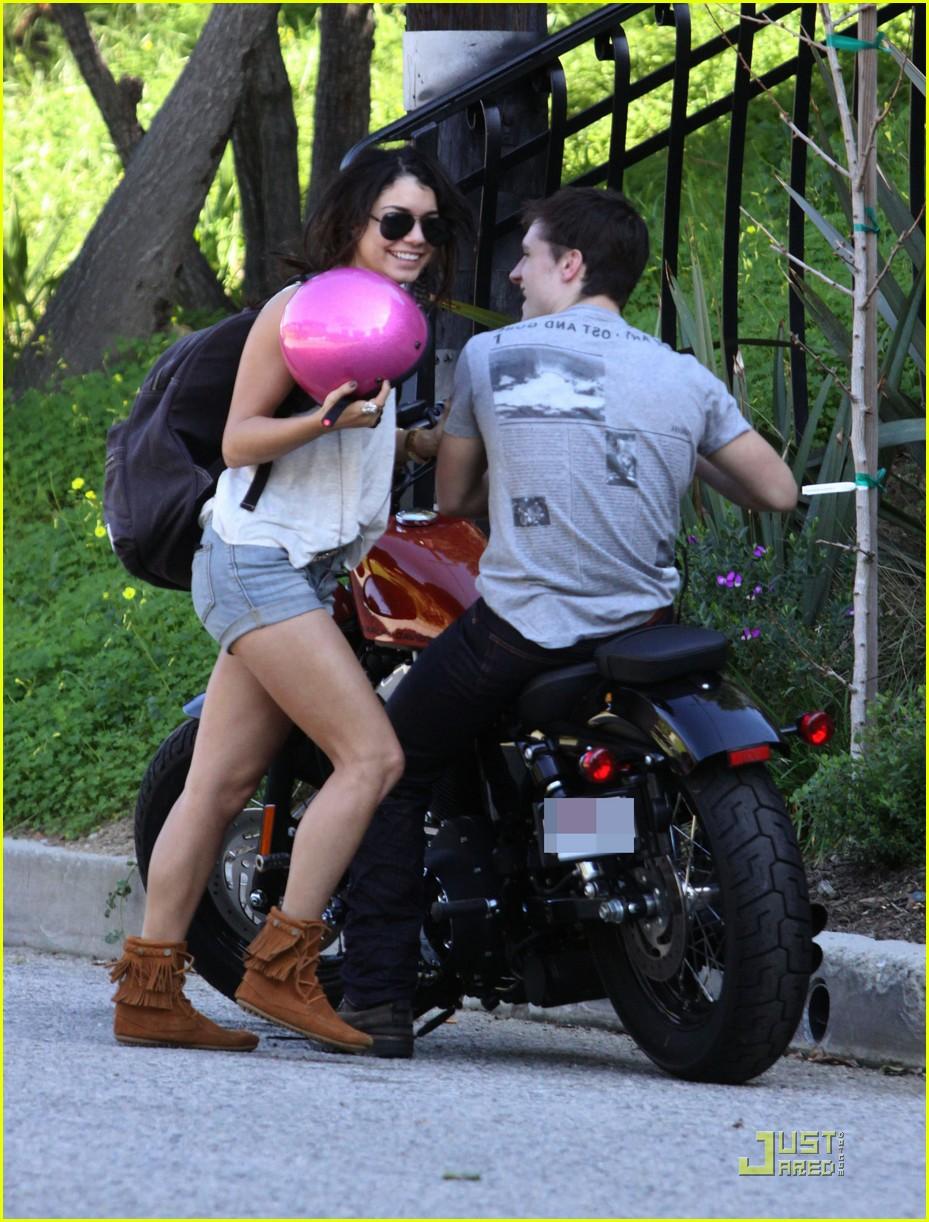 vanessa hudgens josh hutcherson motorcycle 01
