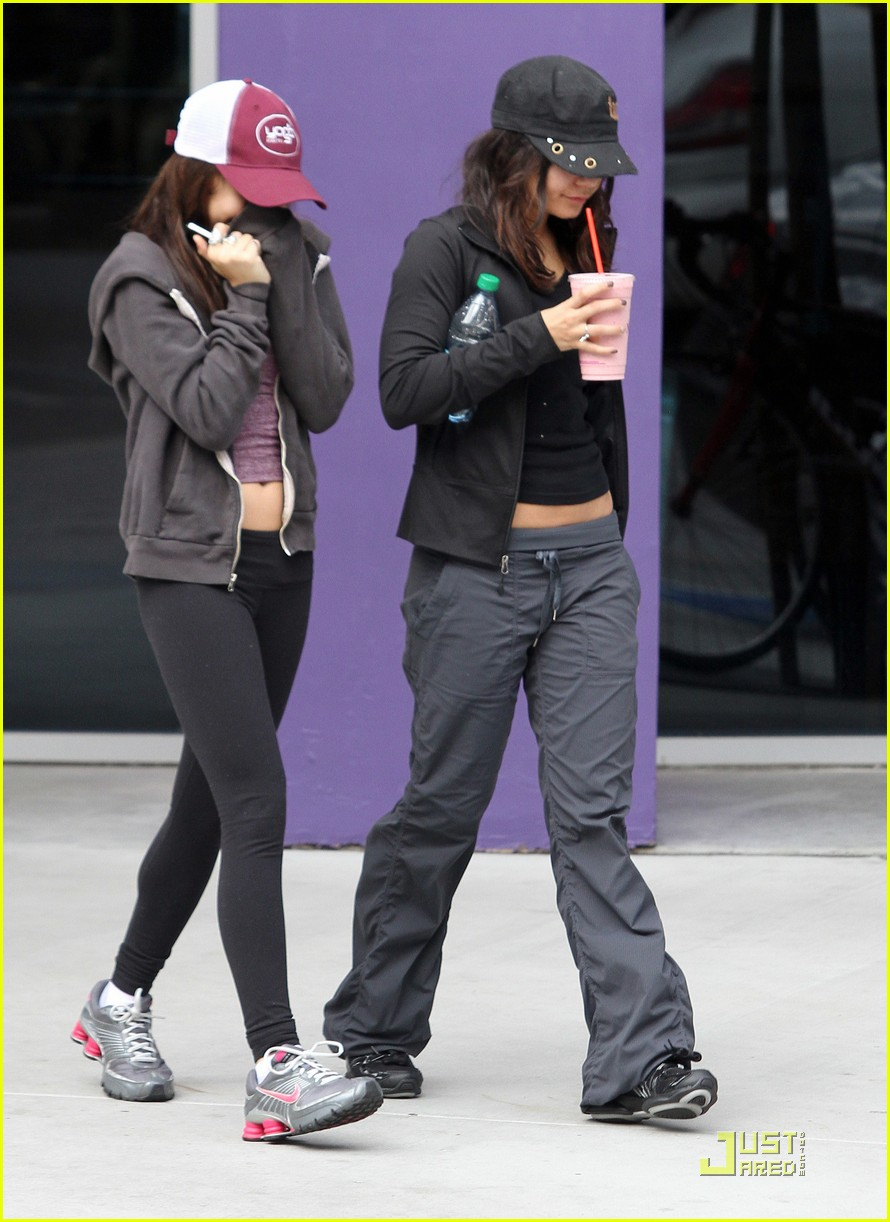 vanessa hudgens gym and smoothies with stella 08
