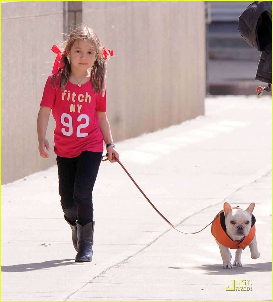 hugh jackman dog walk with ava 02