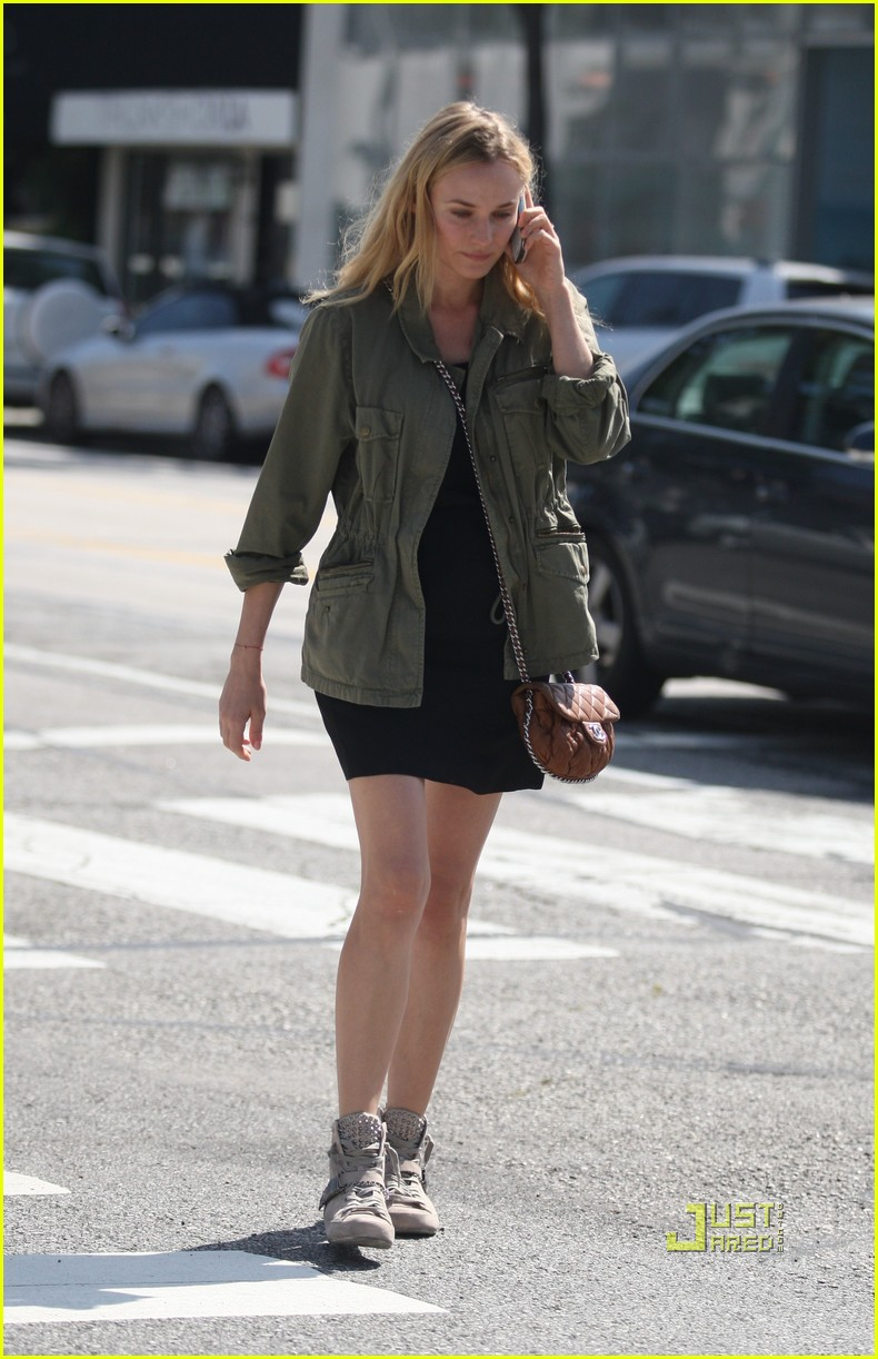 diane kruger military jacket phone 01