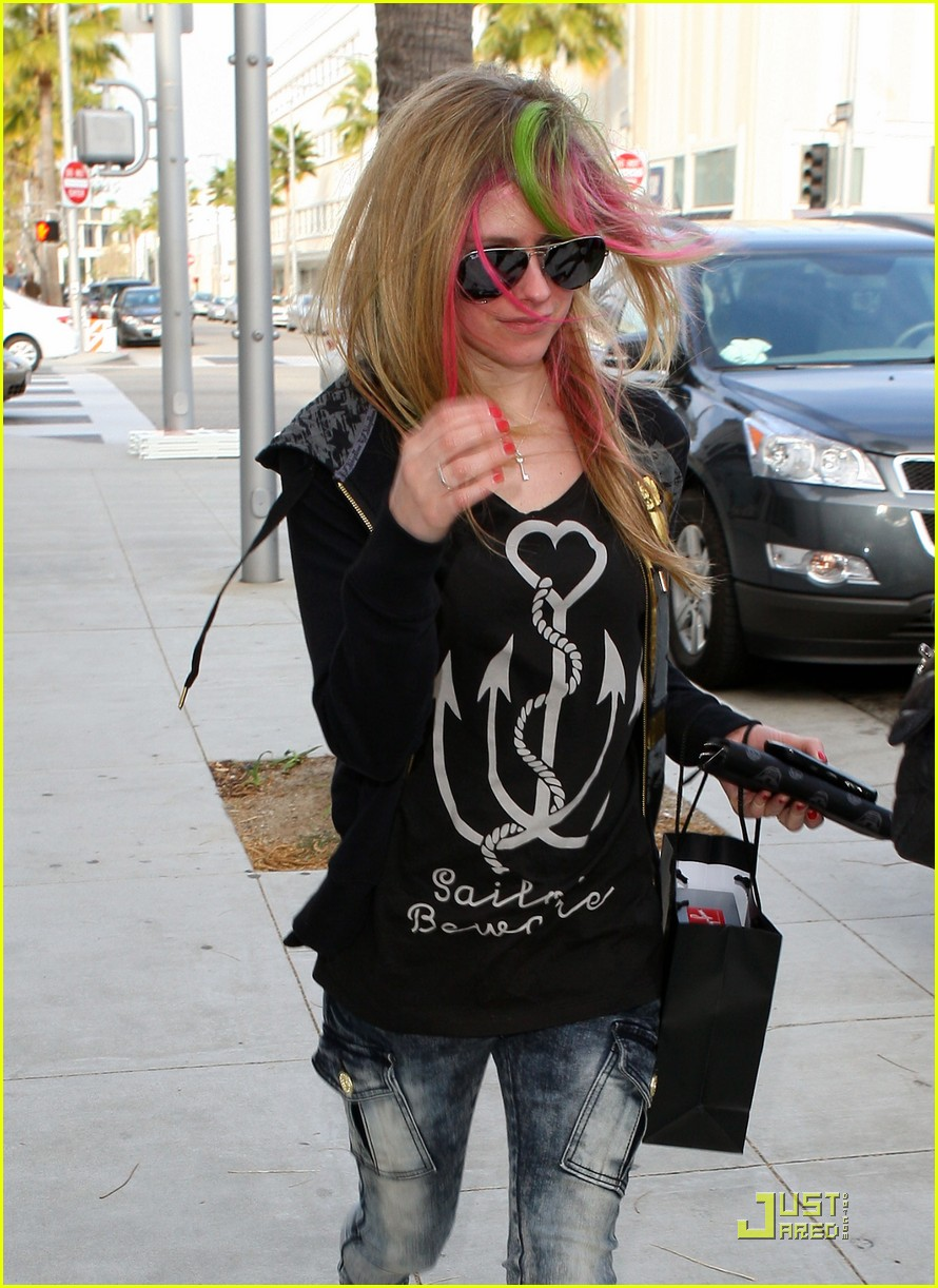 avril lavigne what the hell 03