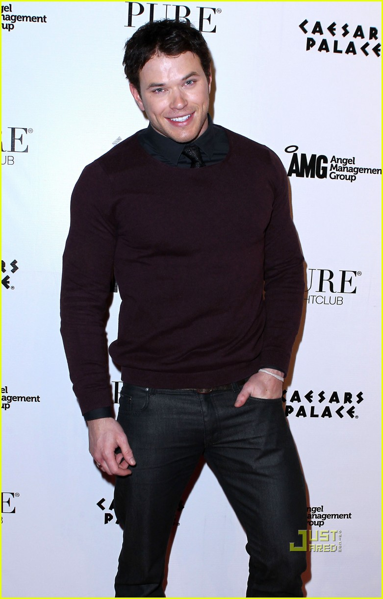 kellan lutz birthday pure nightclub 08