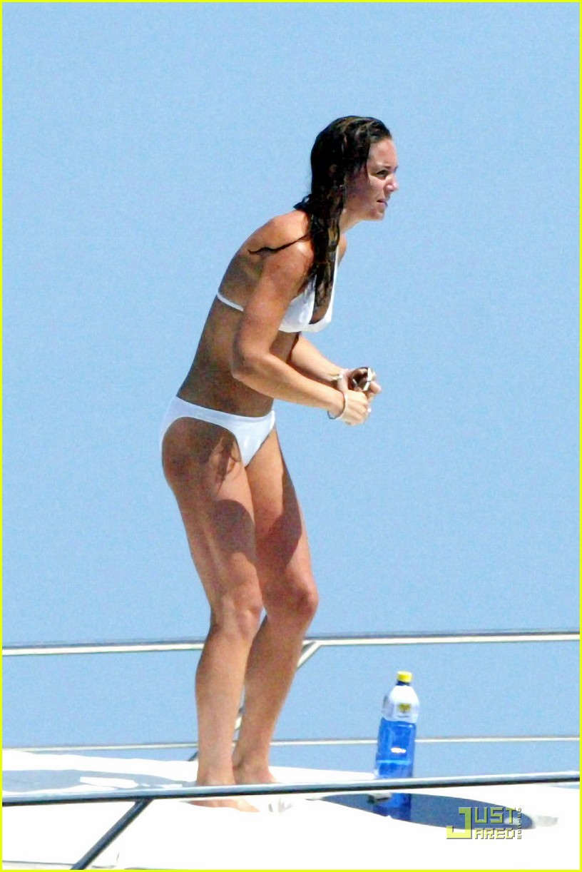kate middleton prince william bikini 01