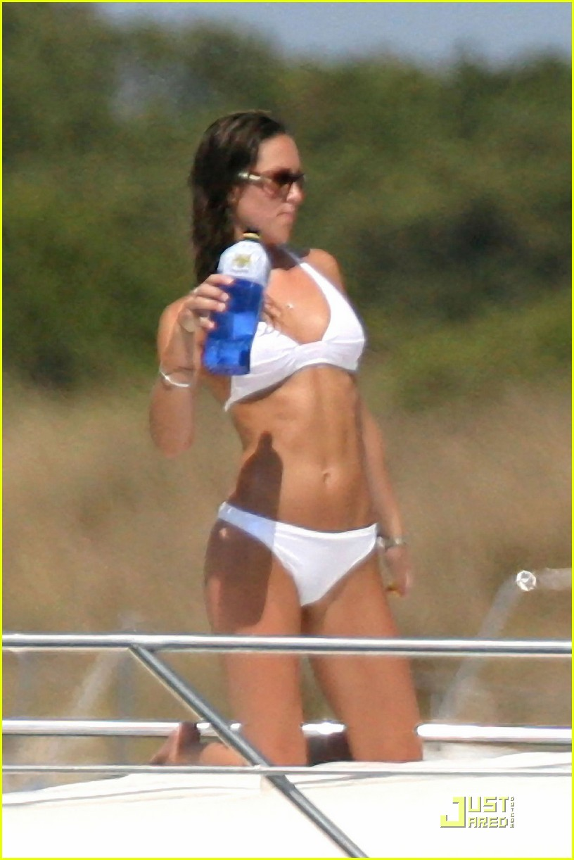 kate middleton prince william bikini 02