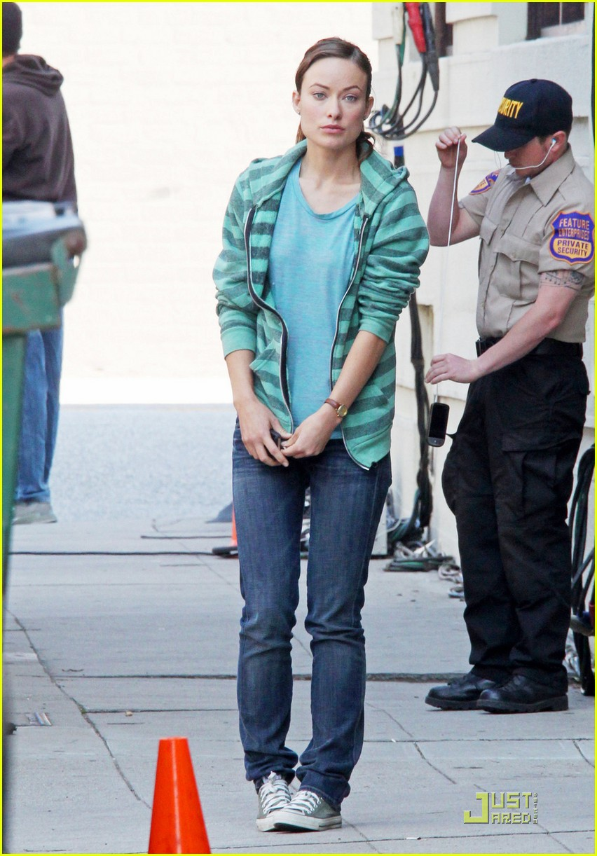 olivia wilde chris pine welcome people filming 02