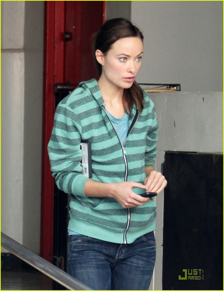 olivia wilde chris pine welcome people filming 05
