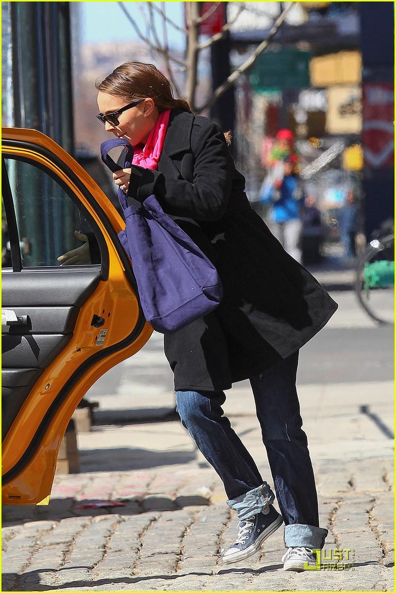 natalie portman benjamin millepied take a taxi 04