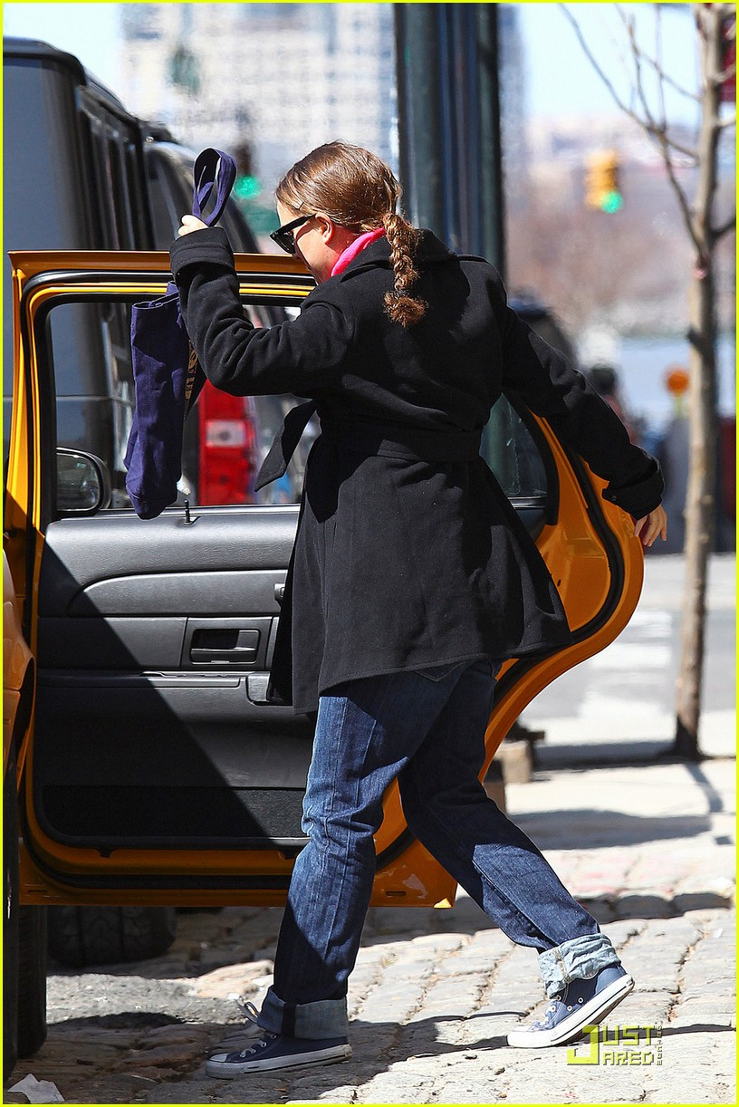 natalie portman benjamin millepied take a taxi 05