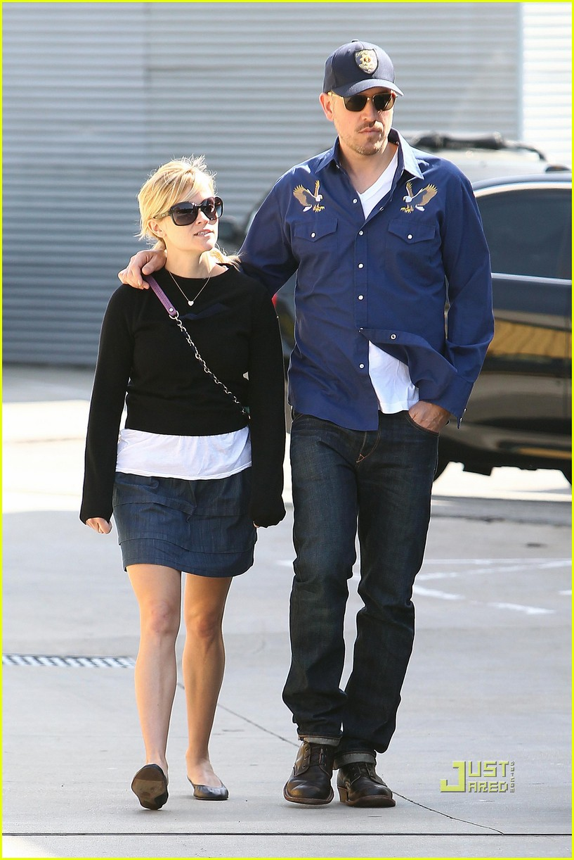reese witherspoon jim toth church 04