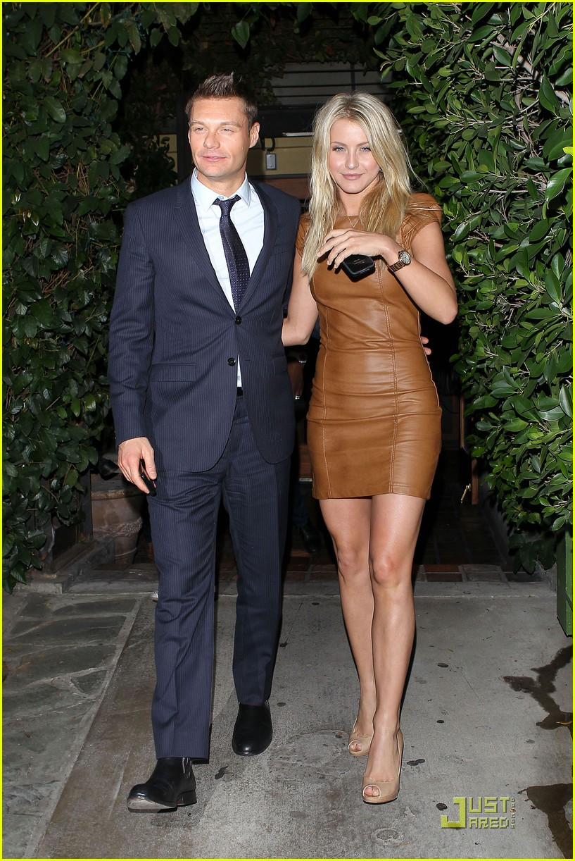 ryan seacrest julianne hough ago 03