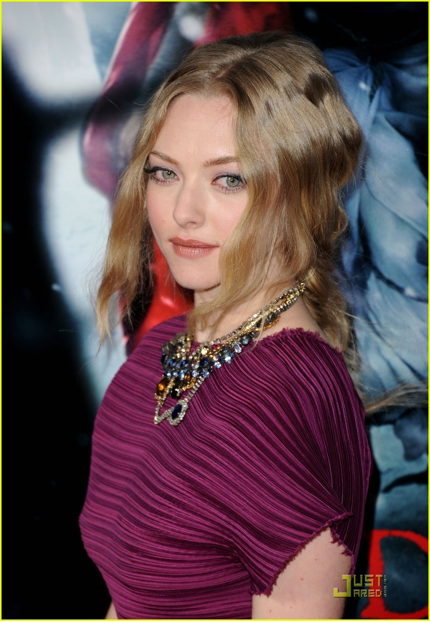 amanda seyfried red riding hood premiere 092525958
