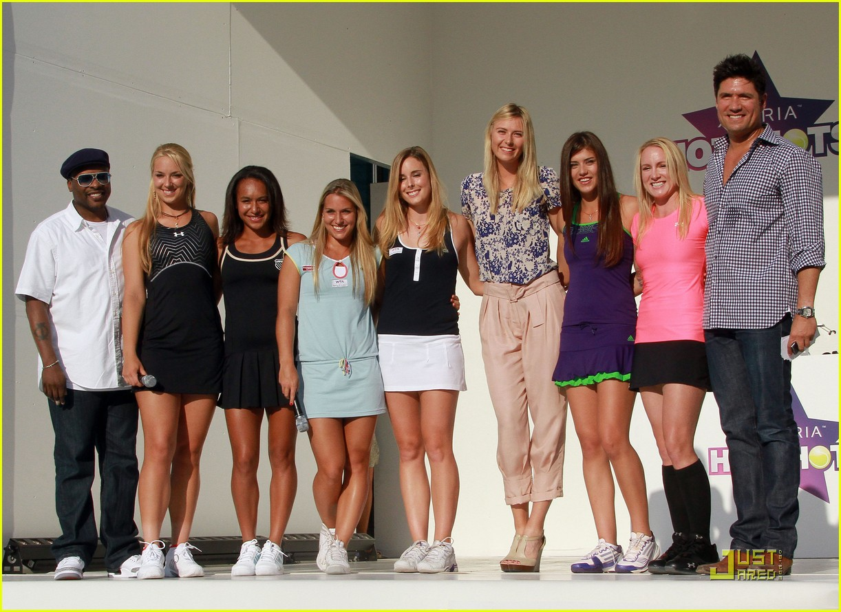 maria sharapova launches xperia hot shots 13