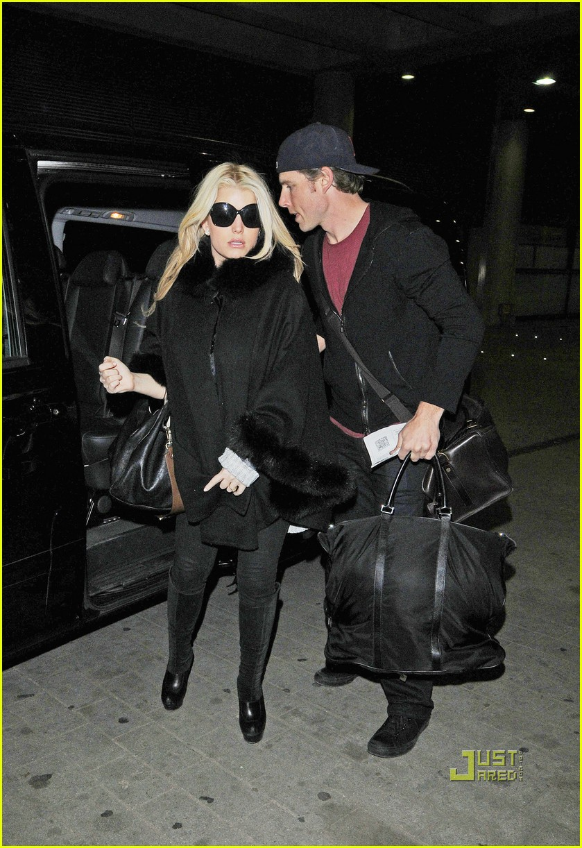 jessica simpson eric johnson eurostar to france 01