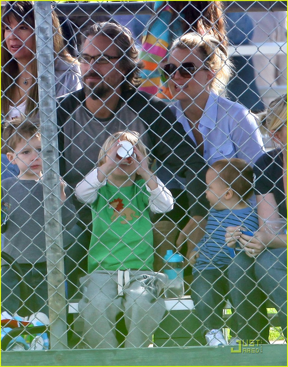 britney spears kevin federline reunite little league 02