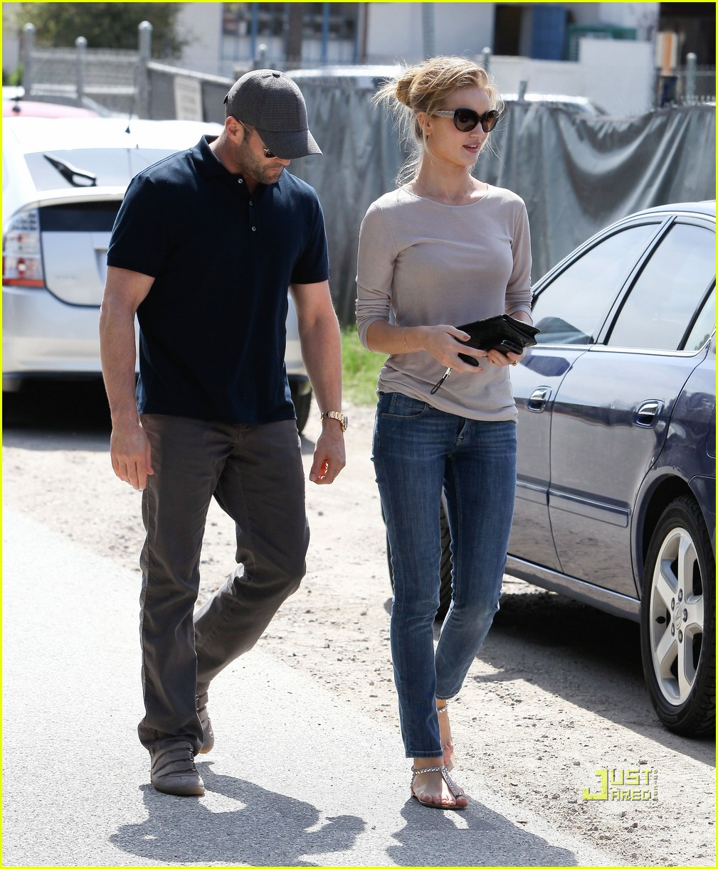 rosie huntington whiteley jason statham taverna 07