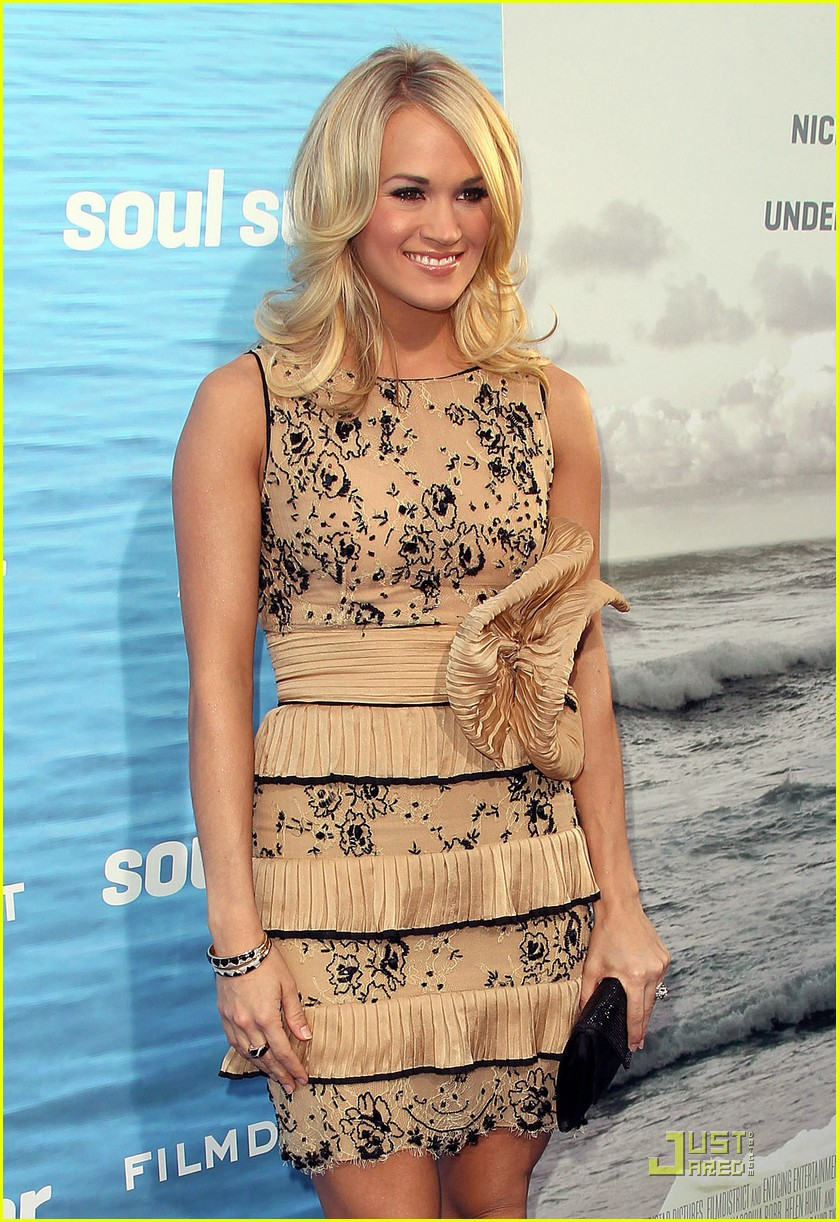 carrie underwood soul surfer premiere 032531671