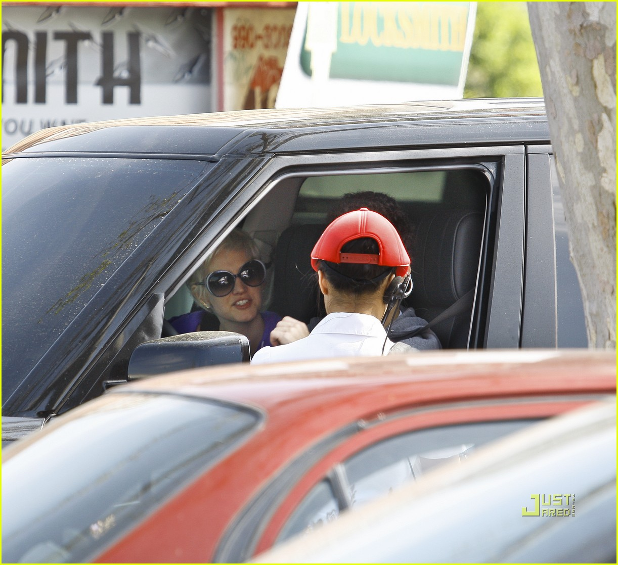 ashlee simpson pete wentz in n out 01