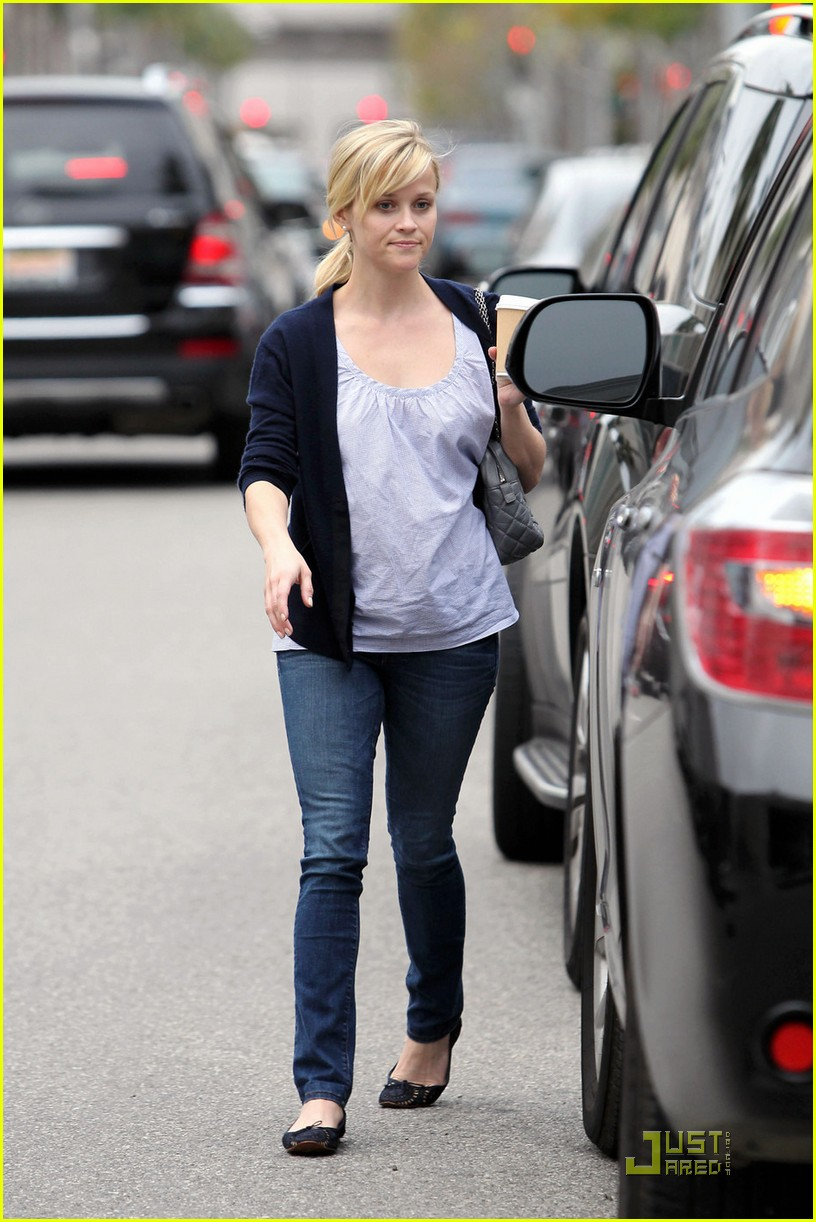 reese witherspoon church lunch ava 05