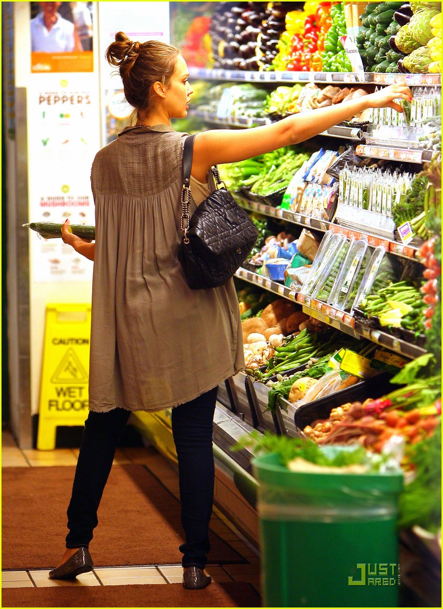 jessica alba shopping day with honor 112537789