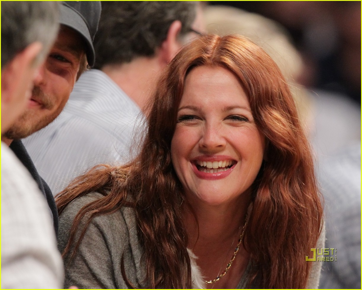 drew barrymore will kopelman lakers game courtside kiss 10
