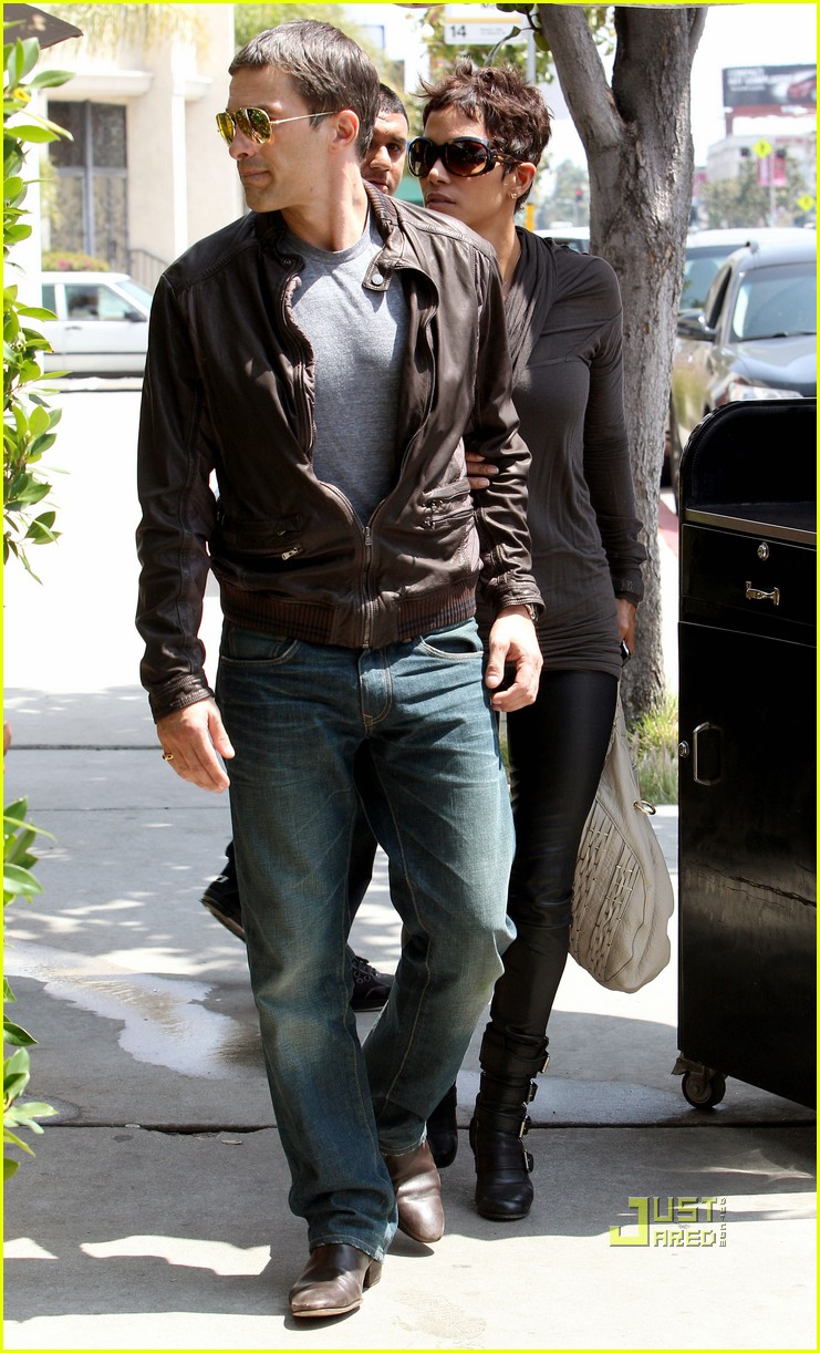 halle berry olivier martinez lunch 012535000