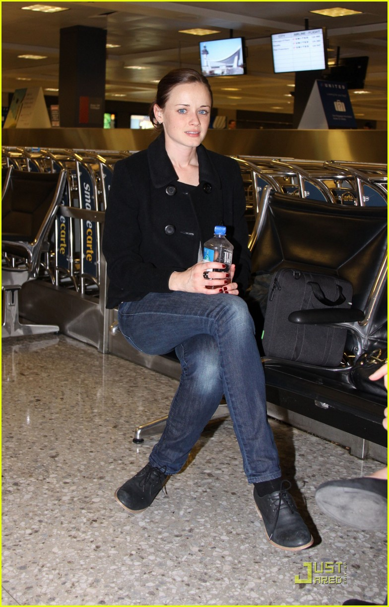 alexis bledel washington dc arrival 03