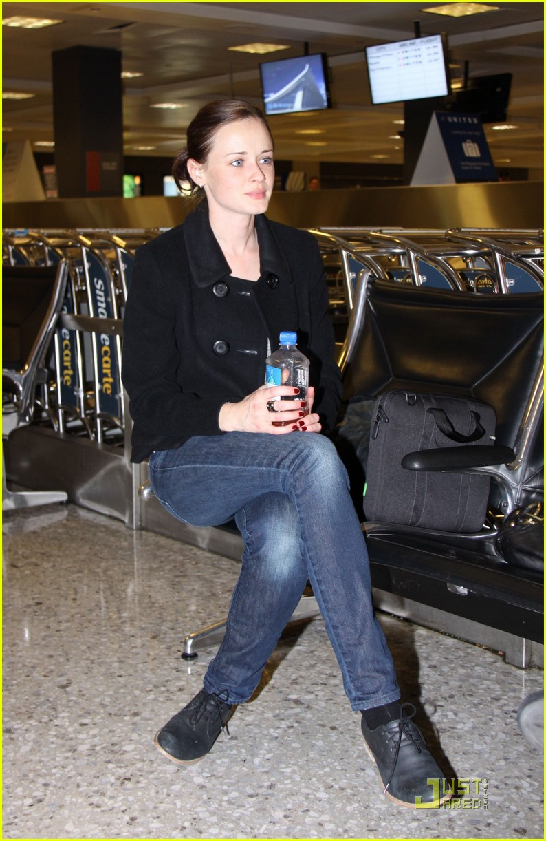 alexis bledel washington dc arrival 06