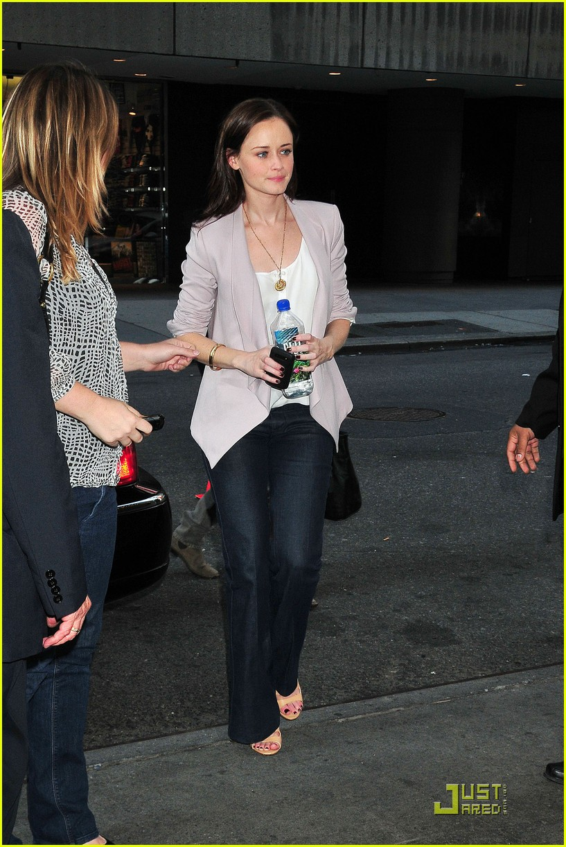 alexis bledel visits the seven 052534850