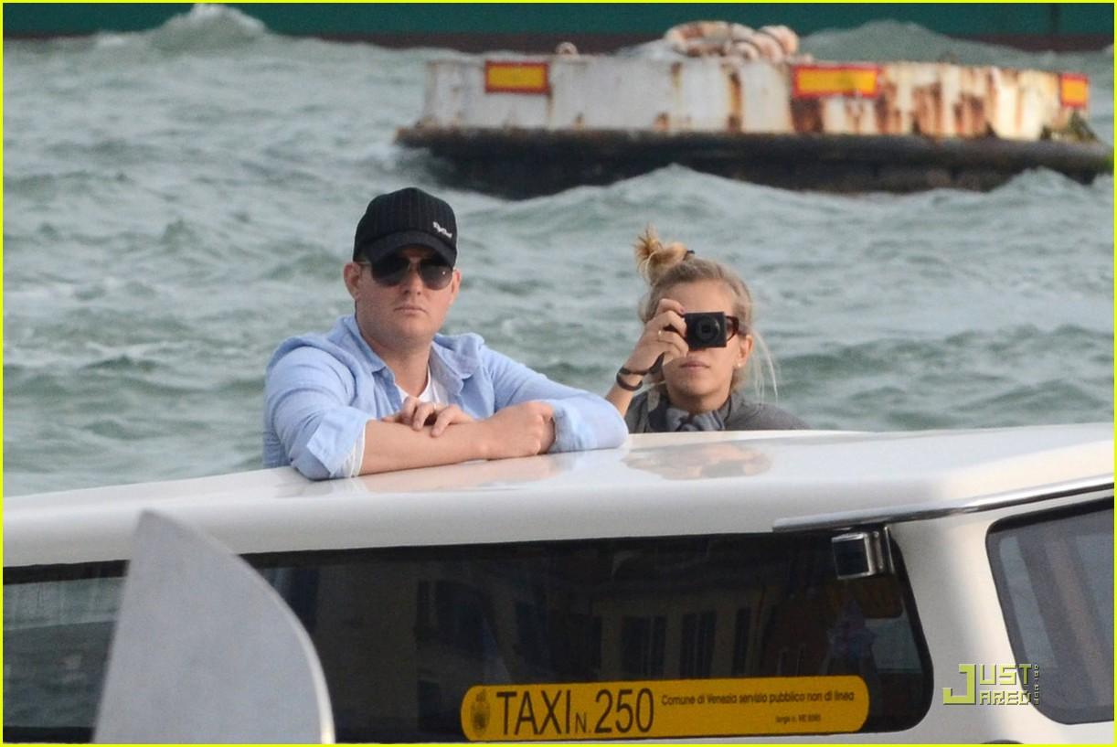 michael buble luisana lopilato venice vacation 062538005