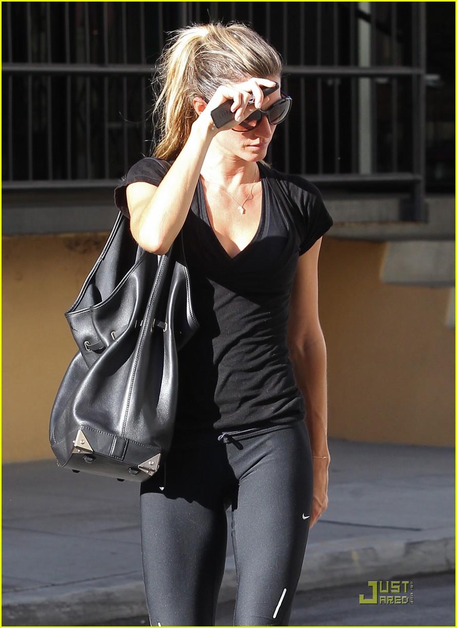 Full Sized Photo of gisele bundchen workout woman 03 ... Gisele Bundchen Workout