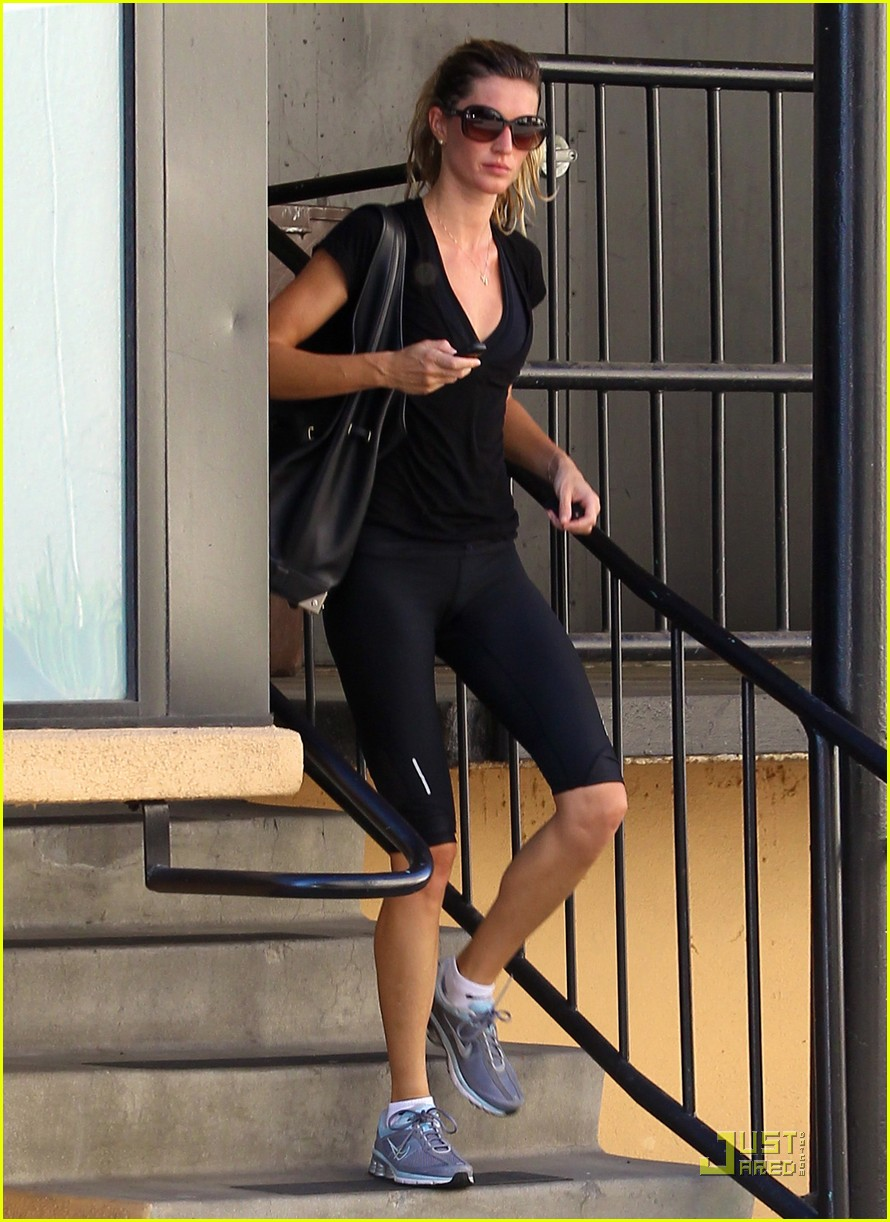 Gisele Bundchen: Workout Woman!: Photo 2532077 | Gisele ... Gisele Bundchen Workout