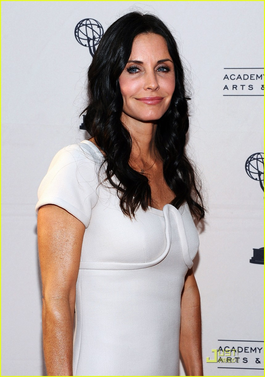 courteney cox cougar academymytext02