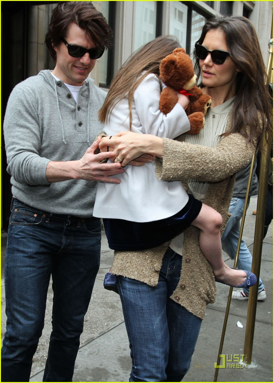 tom cruise katie holmes day out with suri 03