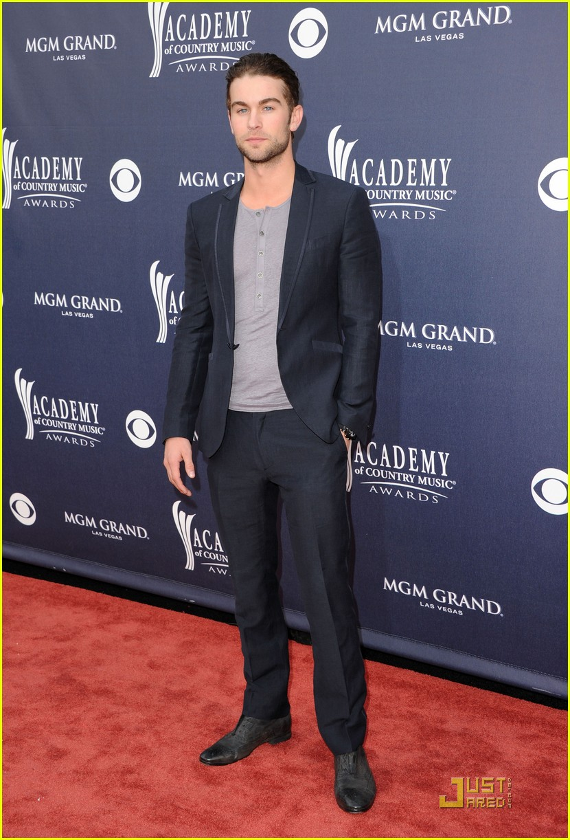 brooklyn decker acm awards chace crawford 02