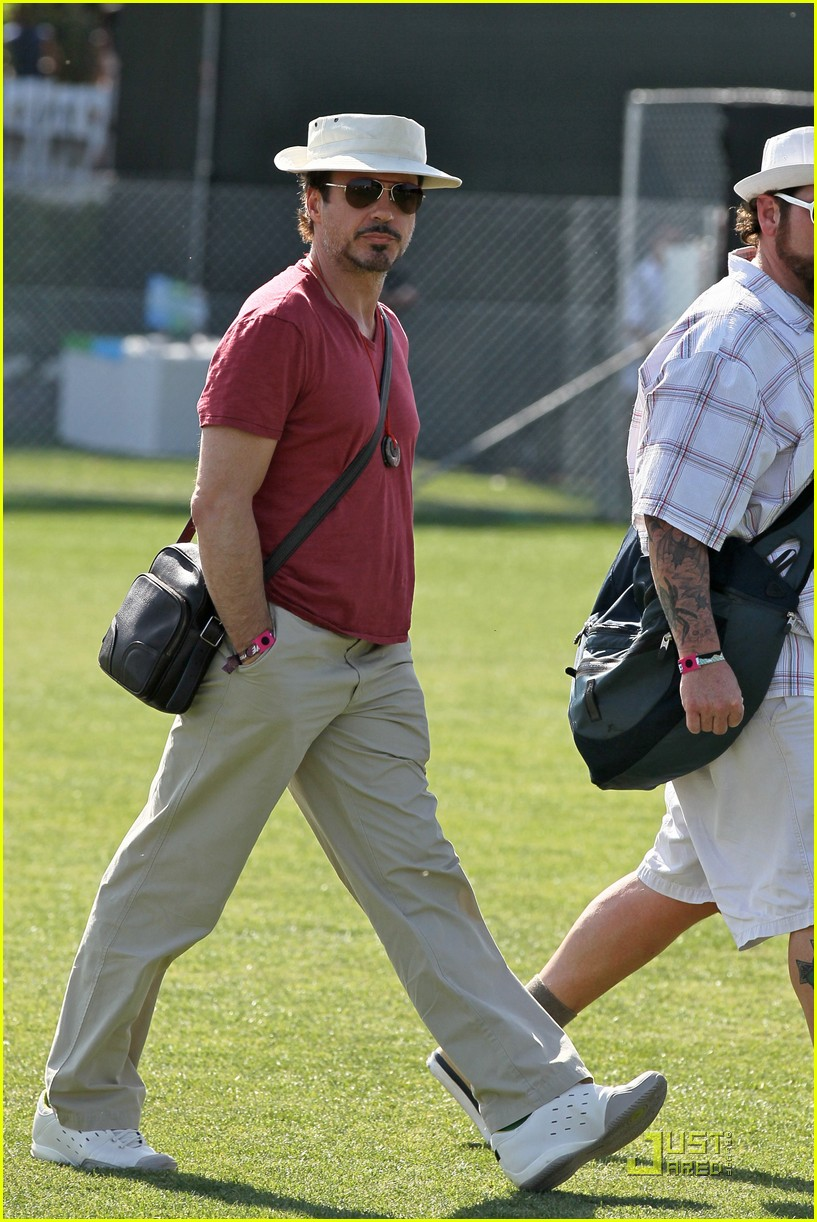 robert downey jr coachella concertgoer 10