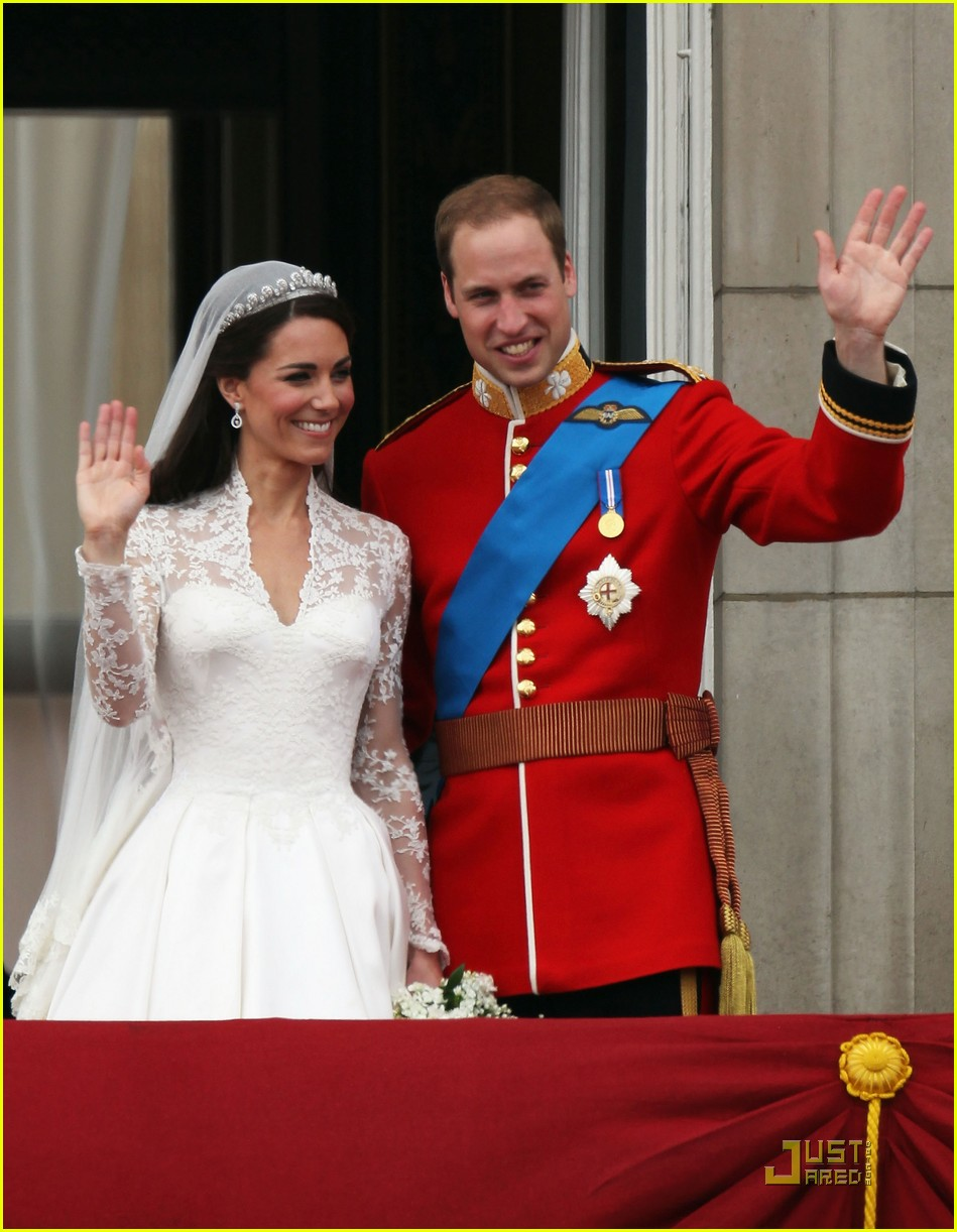 Full Sized Photo Of Kate Middleton Prince William Royal Wedding First Kiss 03